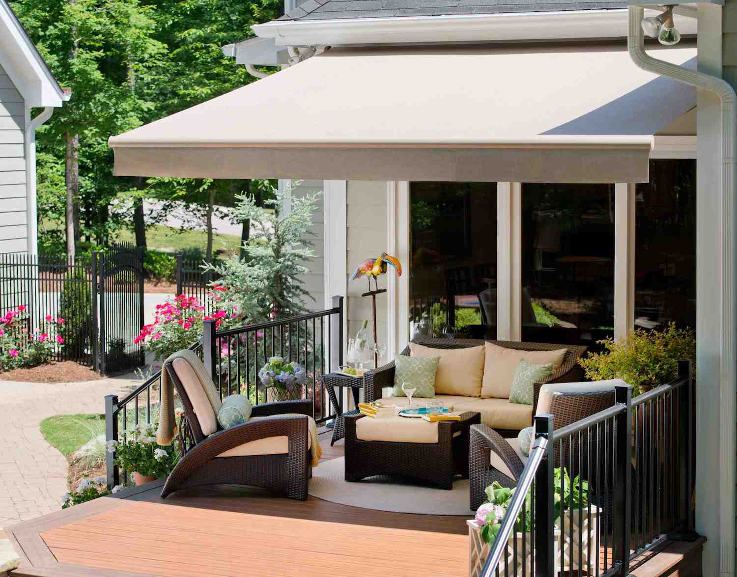 Sizing Options And Sunbrella® Fabric Selections Make An Impression On  Customers.