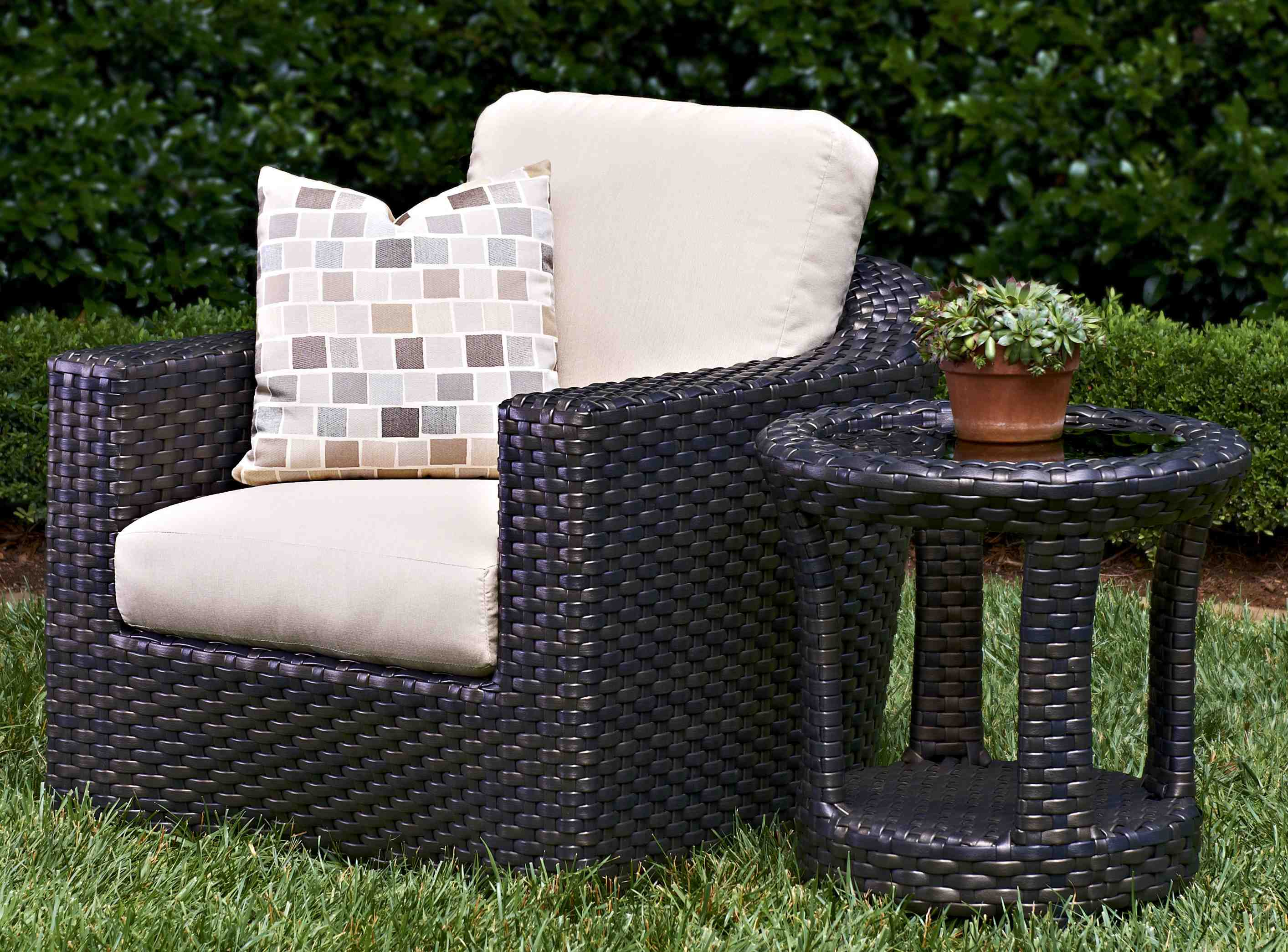 Klaussner Home Furnishings Will Debut Its New Outdoor Living Category This September At The Icfa