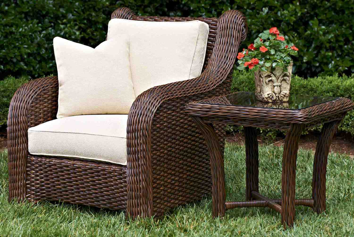Laurel Home and hearth patio furniture